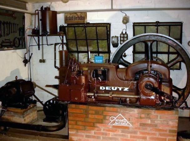 Einzylinder-Dieselmotor